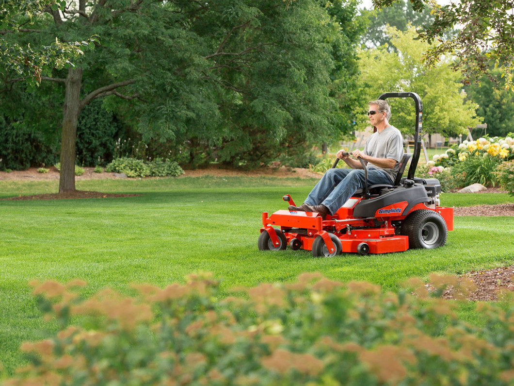 Achieve the Best Looking Lawn, Year-Round